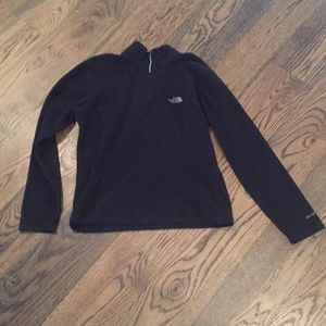 The North Fave 1/4 zip in black size medium